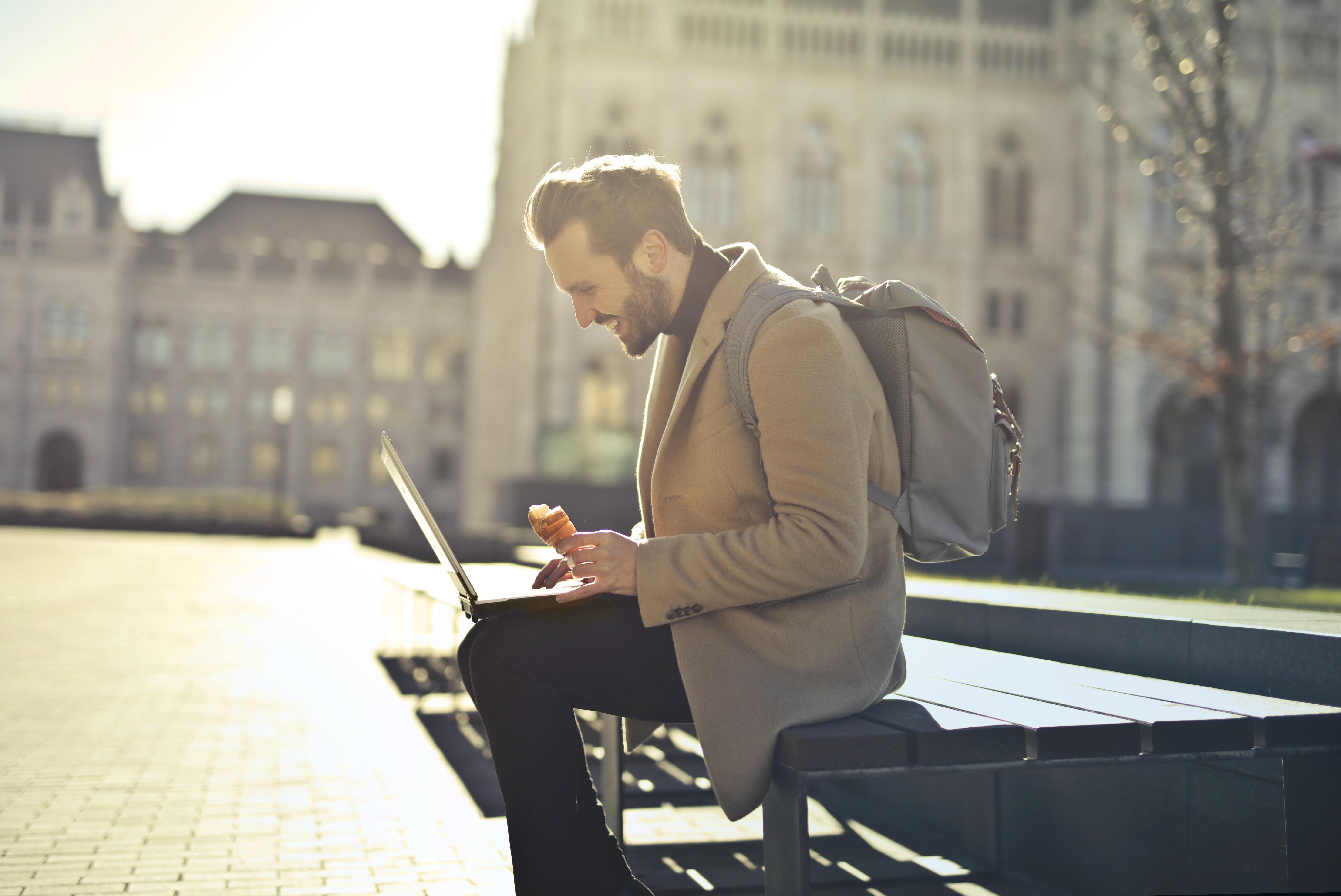 nomadi digitali il capo.jpg